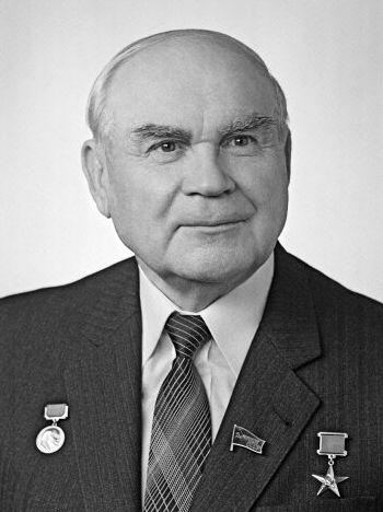 Николай Байбаков